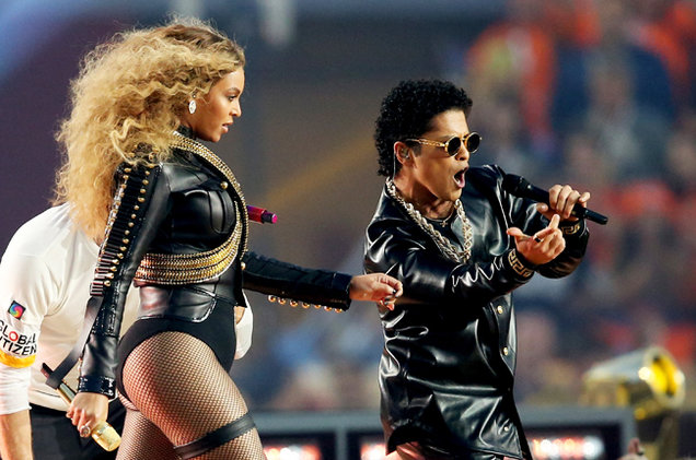 super-bowl-50-halftime-03-beyonce-bruno-mars-coldplay-2016-billboard-650